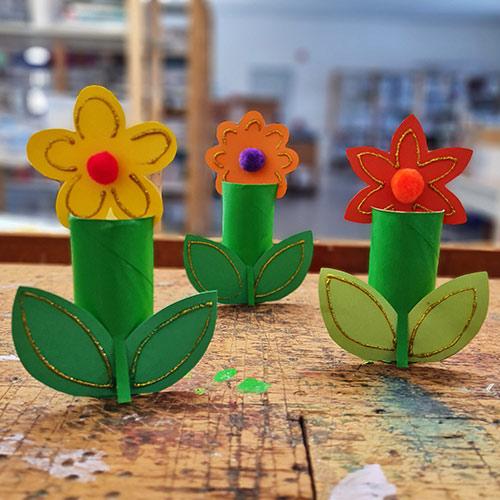 Bastelanleitung Papprollen-Blume