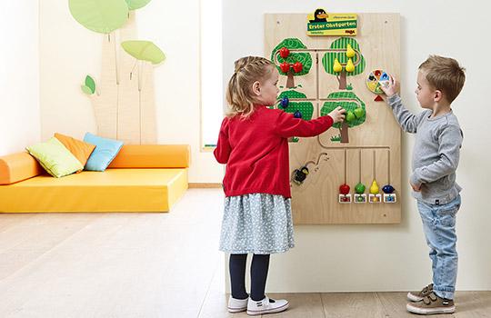 Wandspielelemente im Kindergarten